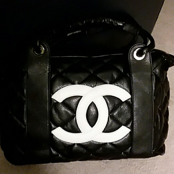 CHANEL Bags   Bag   Poshmark a4768e79a0